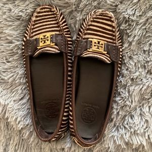 🎉Sale!🎉 TORY BURCH driving loafers